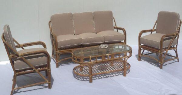 Britannia Deck Lounge Suite